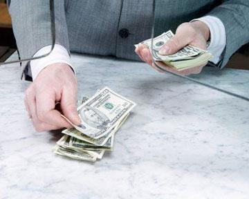 Заложить депозит, чтоб взять кредит? Формулировка хитрая, но реально ли?
